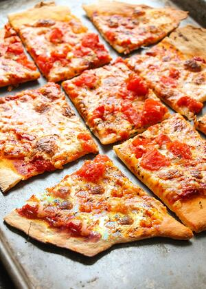 thin-crust-pizza-